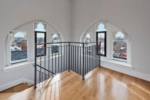 客厅楼梯简欧风格效果图