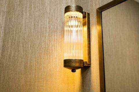 卫生间灯具简欧风格装饰图片