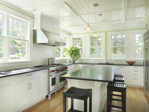 厨房米色橱柜简欧风格效果图