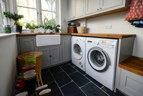 卫生间白色橱柜简欧风格装修设计图片