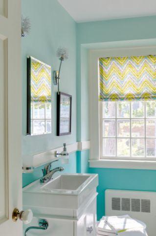 卫生间黄色窗帘混搭风格装潢图片