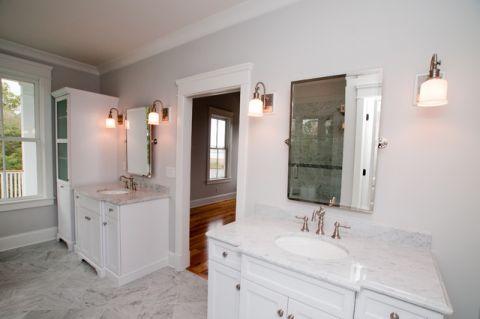 卫生间白色橱柜混搭风格装潢图片