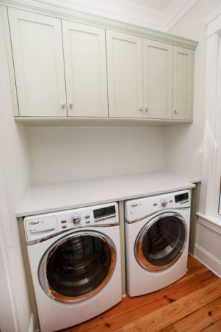 卫生间白色橱柜混搭风格装修效果图