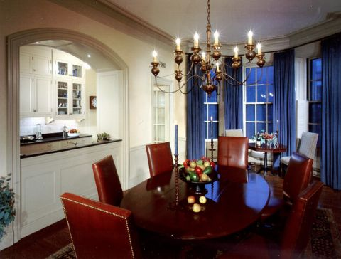 餐厅咖啡色餐桌混搭风格装饰图片