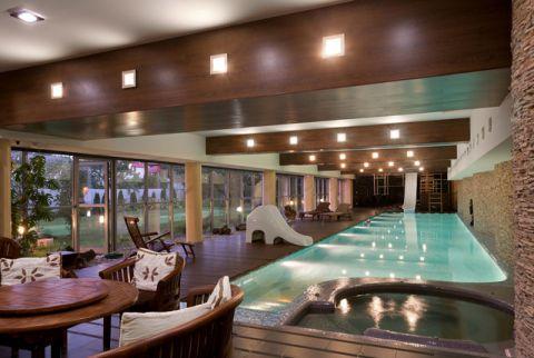 泳池混搭风格装饰图片