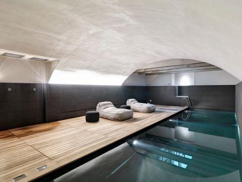 泳池现代风格装修效果图
