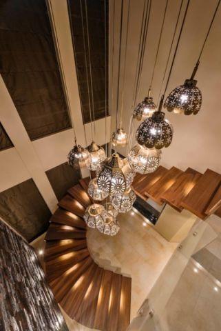 玄关楼梯现代风格效果图