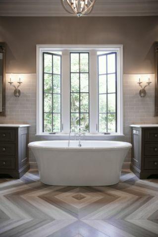 卫生间窗台现代风格装潢图片