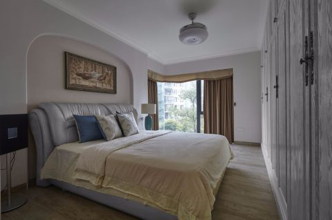 客厅白色背景墙美式风格装饰设计图片