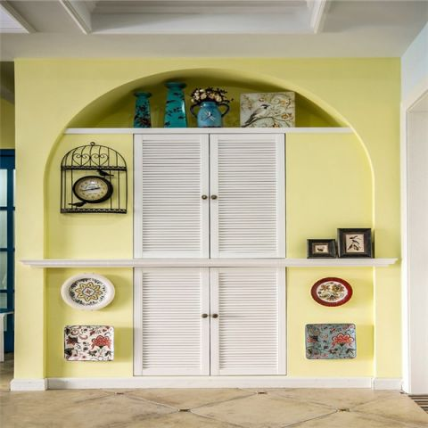 玄关黄色隐形门混搭风格装潢效果图