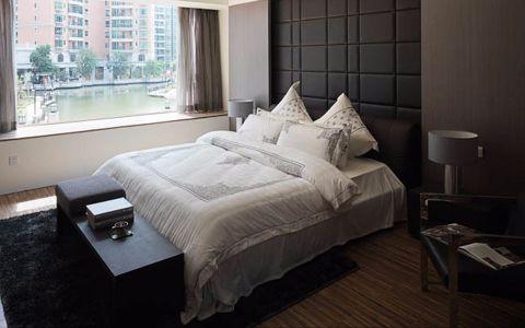 卧室飘窗现代风格装潢图片