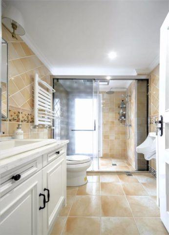 卫生间黄色背景墙地中海风格装潢效果图