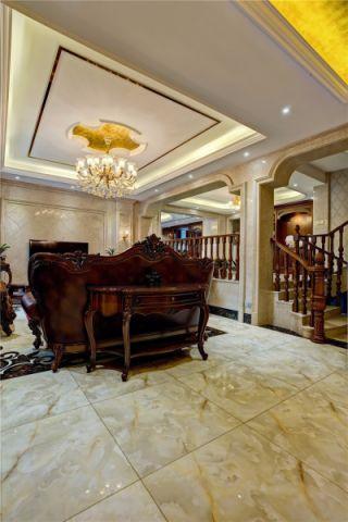 客厅楼梯美式风格装潢效果图