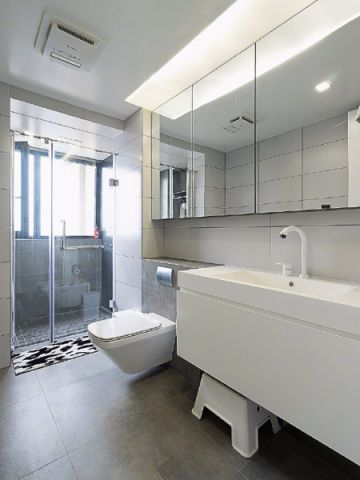 卫生间白色吊顶现代简约风格装饰图片