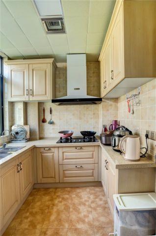 厨房白色橱柜欧式风格装潢图片