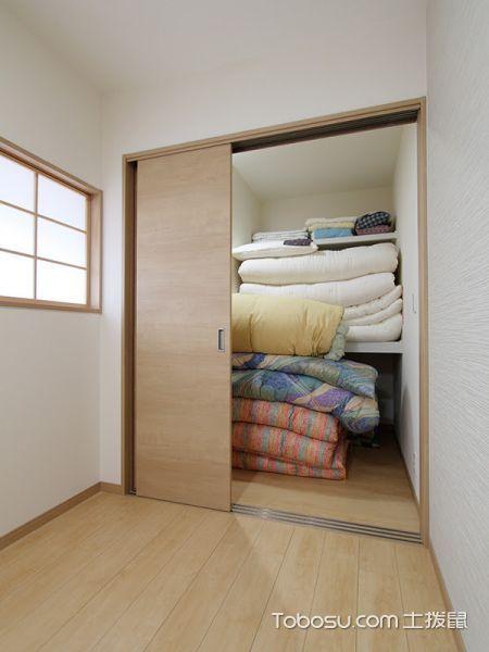 卧室咖啡色衣柜日式风格装潢设计图片