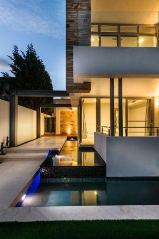 玄关泳池现代风格装饰图片