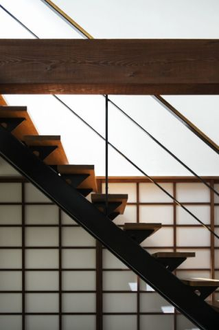 客厅楼梯日式风格装潢设计图片