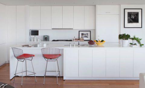 土拨鼠装修网提供2017最新厨房现代风格装修效果图,海量高清美好自然厨房现代风格装修图片欣赏,免费赠送业主厨房现代风格装修设计图片,土拔鼠用心为你装好家.
