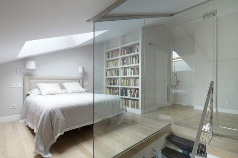 卧室乳胶漆白色床装修图