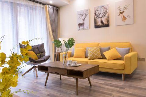 低调优雅黄色客厅设计图片