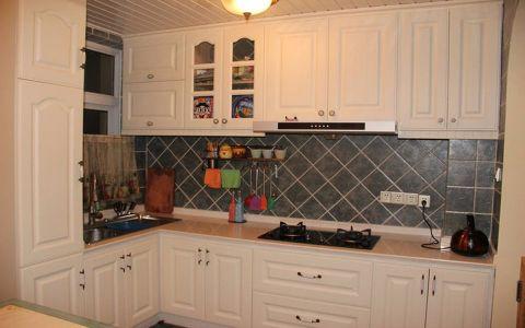 厨房白色田园风格橱柜装潢图片
