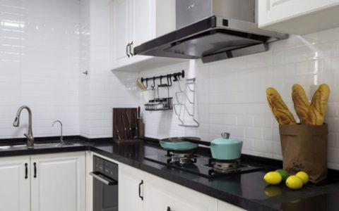 厨房白色橱柜北欧风格装潢图片