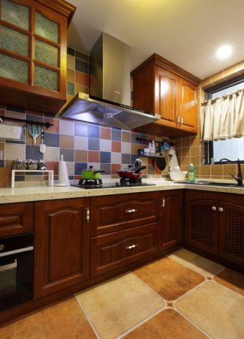 2018美式厨房装修图 2018美式吊顶设计图片
