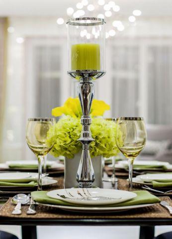 餐厅咖啡色餐桌后现代风格装潢设计图片