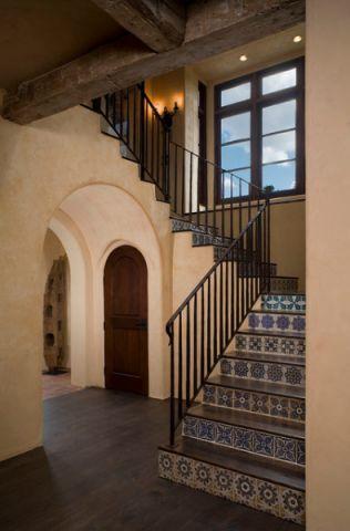 楼梯地中海风格效果图大全2017图片_土拨鼠大气沉稳楼梯地中海风格装修设计效果图欣赏