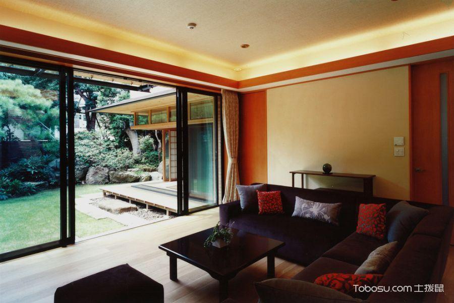 客厅黑色推拉门日式风格装潢效果图
