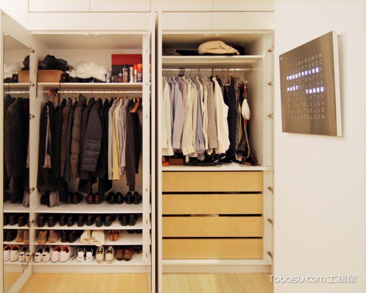 衣帽间白色衣柜现代风格装饰效果图