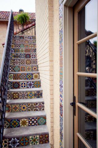 楼梯地中海风格效果图大全2017图片_土拨鼠豪华奢华楼梯地中海风格装修设计效果图欣赏