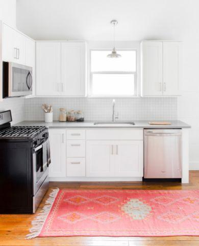 厨房白色橱柜北欧风格装修设计图片