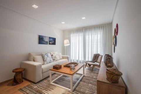 客厅米色沙发北欧风格装修图片