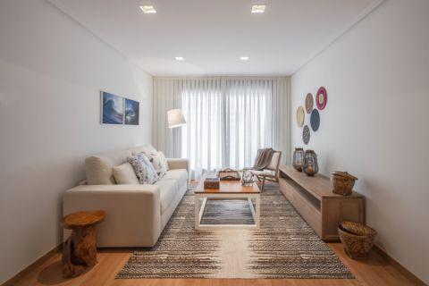 客厅咖啡色地板砖北欧风格装饰图片