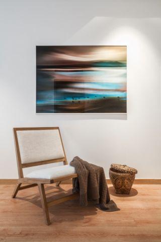 客厅彩色背景墙北欧风格装潢设计图片