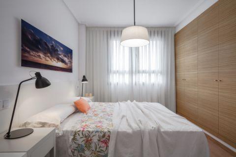 卧室白色窗帘北欧风格装修效果图