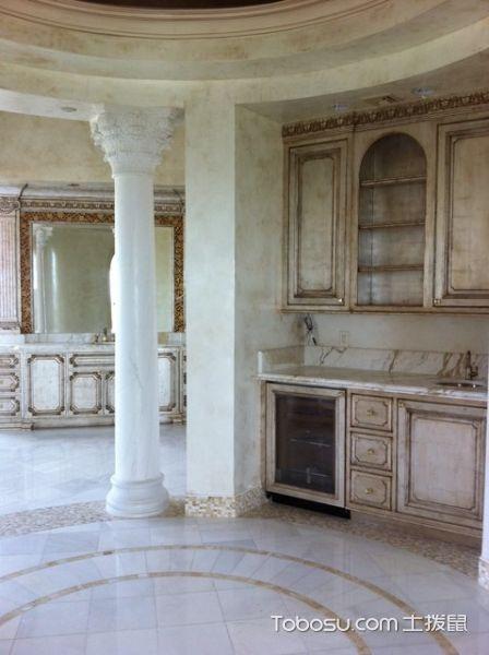 浴室白色地砖地中海风格装修效果图