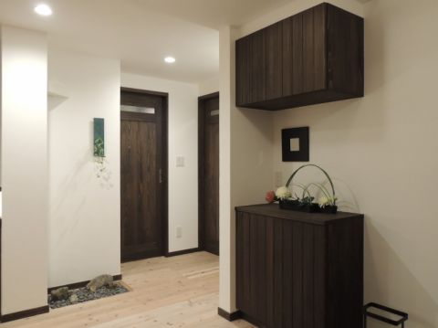 干净玄关二手房地板砖装潢效果图