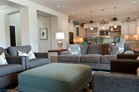 客厅白色沙发现代风格装潢效果图