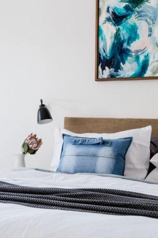 卧室咖啡色北欧风格装潢图片