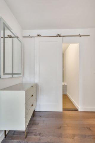 衛生間白色家用洗漱臺裝潢圖片