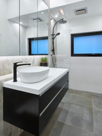 温馨现代浴室柜室内装修设计