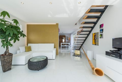 2019现代客厅装修设计 2019现代楼梯装修设计