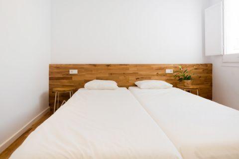 设计精巧卧室床装修案例效果图