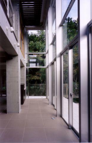 客厅咖啡色吊顶日式风格装饰效果图