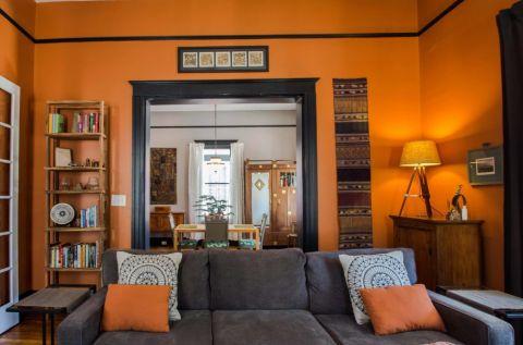 客厅橙色沙发简欧风格装修图片