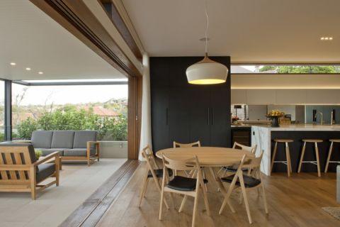 餐厅米色餐桌现代风格装饰设计图片
