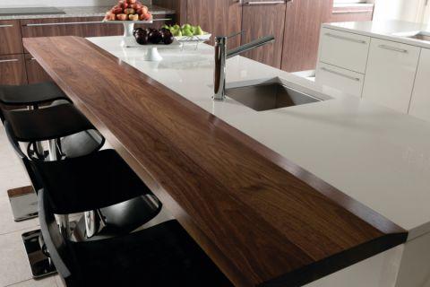厨房咖啡色吧台现代风格装潢设计图片